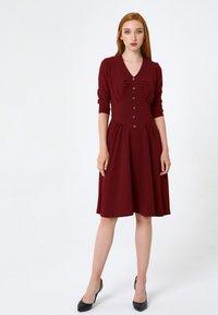Madam-T - DAISY - Day dress - weinrot - 1