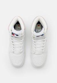 Champion - MID CUT SHOE NEW YORK - Chaussures d'entraînement et de fitness - white - 3