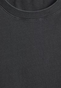 Neuw - BAND TEE - Jednoduché triko - black - 6