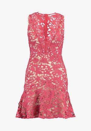DANUBE MINI DRESS - Sukienka koktajlowa - brick red