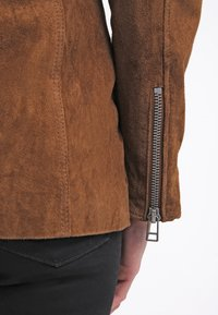 Freaky Nation - MODERN TIMES - Leather jacket - camel - 6