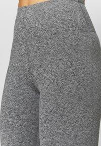 Cotton On Body - SO PEACHY CAPRI - Leggings - black marle - 4