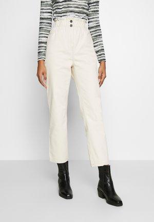 SOALINE - Jeans straight leg - broken white