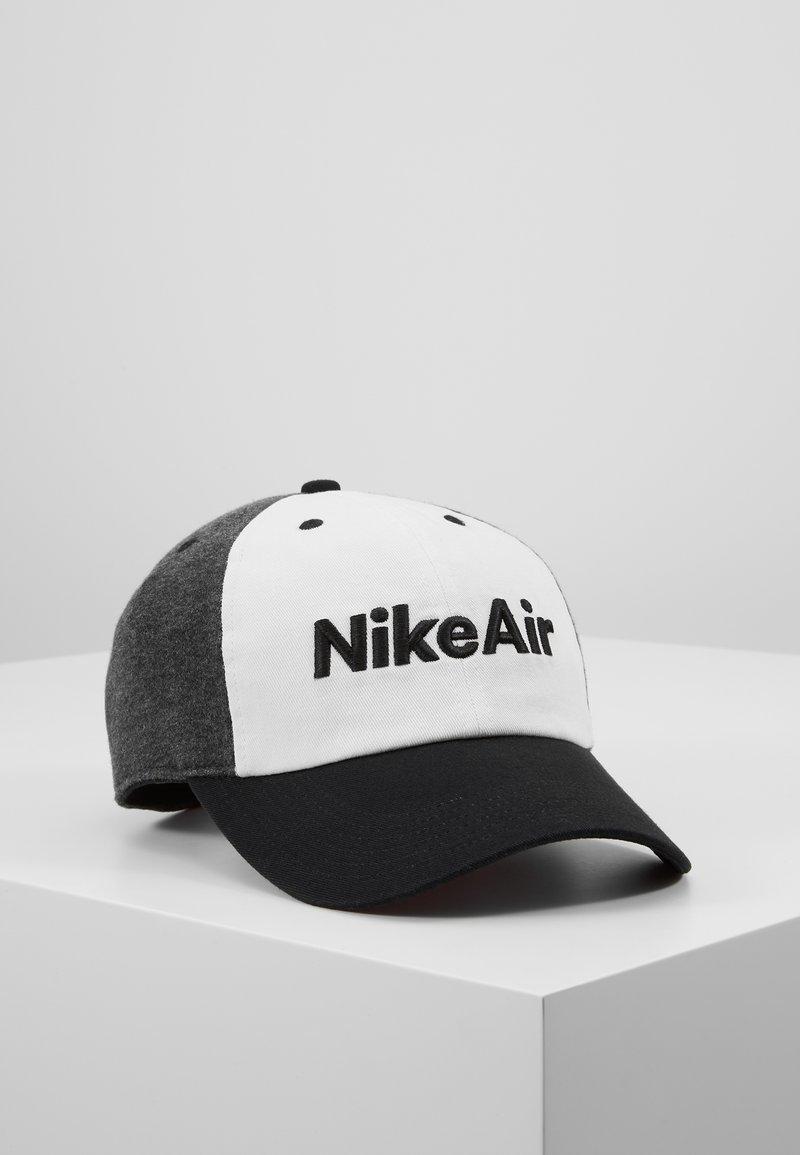Nike Sportswear - AIR - Kšiltovka - black/white/carbon heather