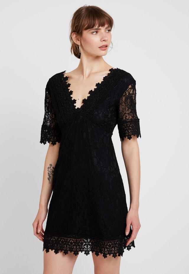 FILIPPA - Sukienka koktajlowa - black