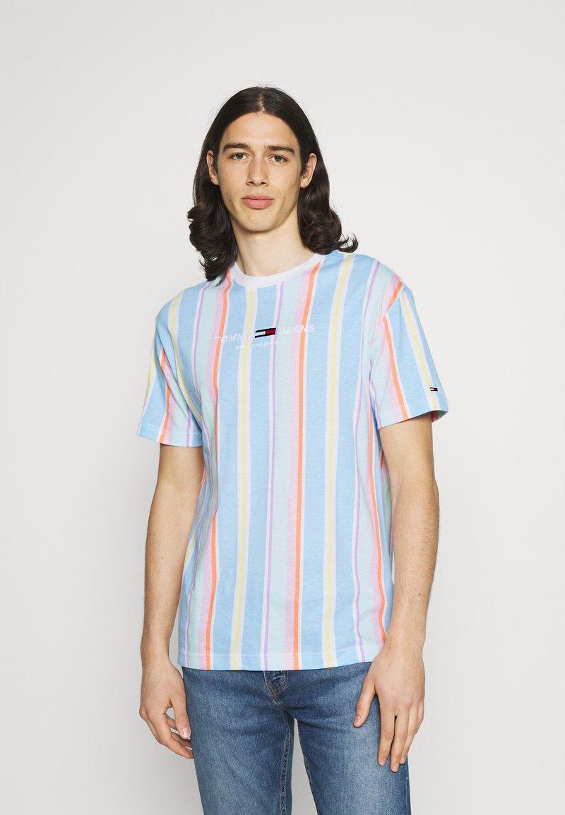 Tommy Jeans - STRIPE TEE - T-shirt imprimé - light powdery blue