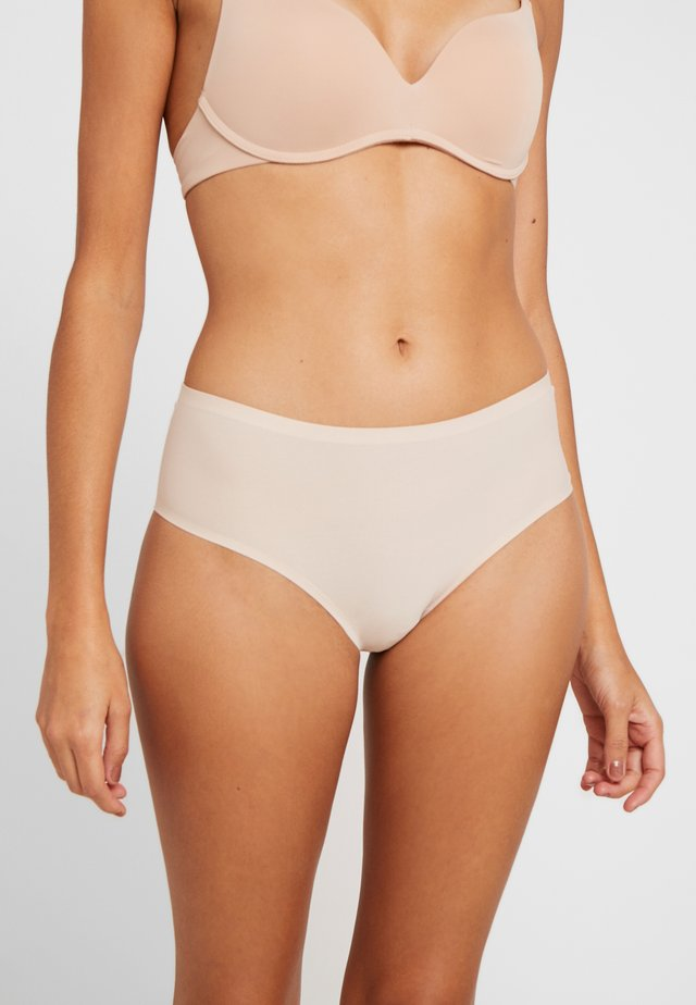 SMOOTHEASE INVISIBLE STRETCH BRIEF - Shorty - natural beige