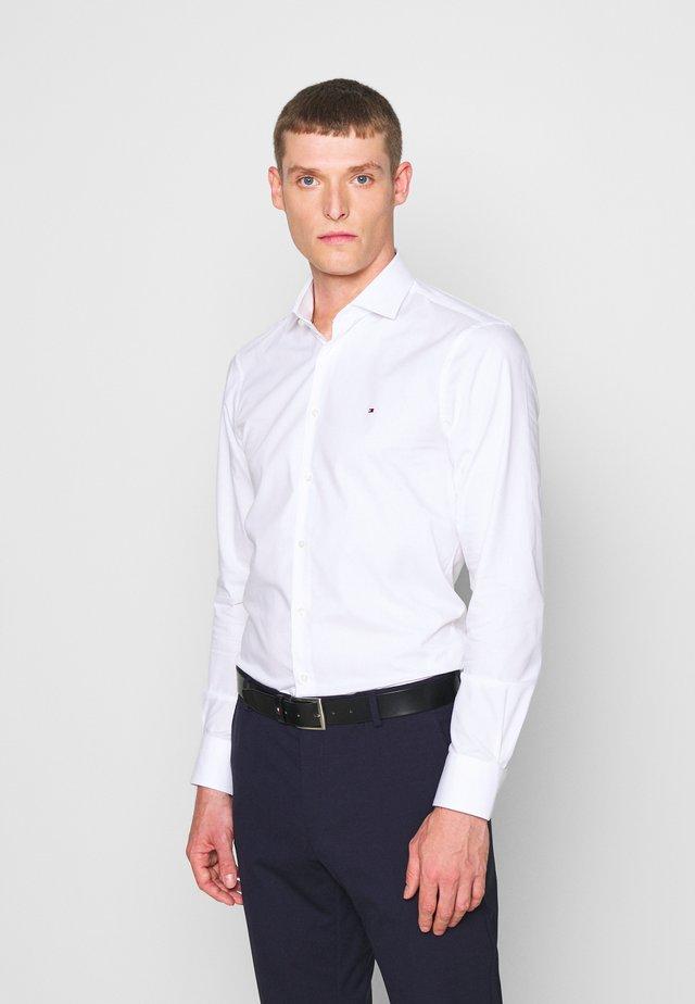 GER POPLIN CLASSIC - Finskjorte - white