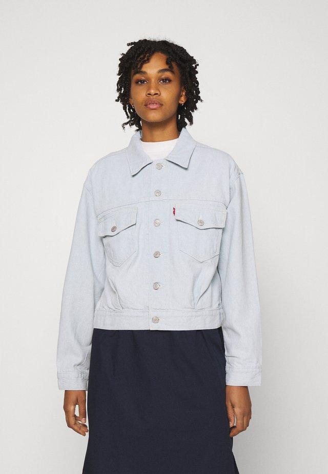 OVERSIZED UTILITY TRUCKR - Denim jacket - waste not