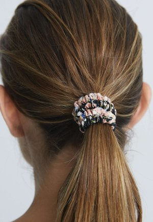 5 PACK PRINTED SCRUNCHIES - Hair styling accessory - beige