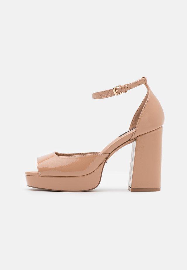 ONLAERIN STRUCTURE  - Sandály na vysokém podpatku - beige