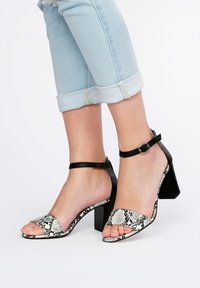 Eva Lopez - Sandals - blanco - 0