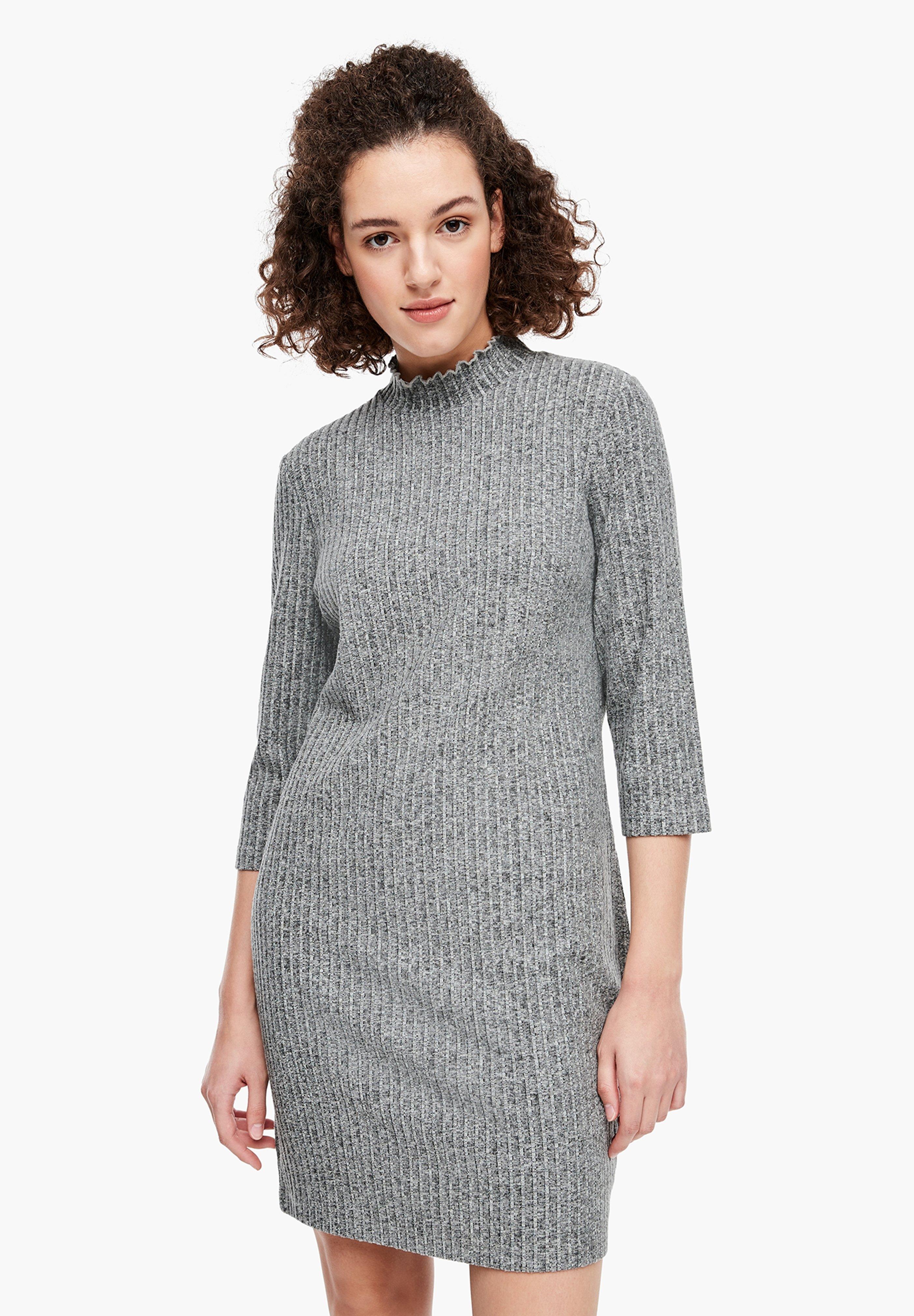 Femme MIT RÜSCHENKRAGEN - Robe pull