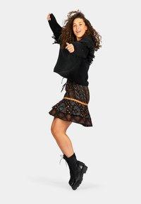 Isla Ibiza Bonita - A-line skirt - aztek print - black - 3