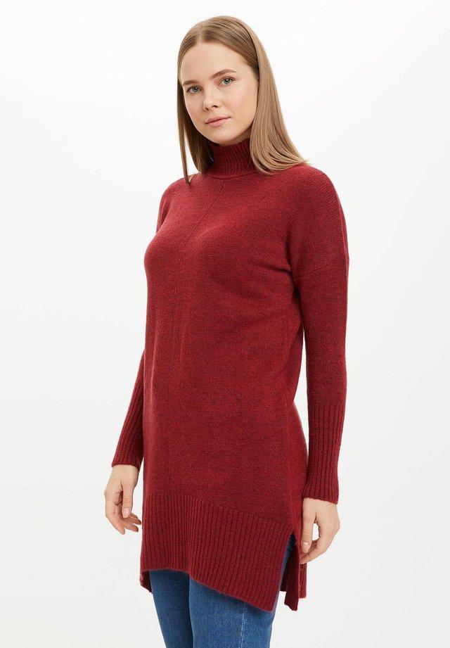 Stickad tröja - bordeaux