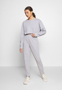 Missguided - ZIP FRONT CROPPED  SLIM LINE SET - Tracksuit - grey - 0