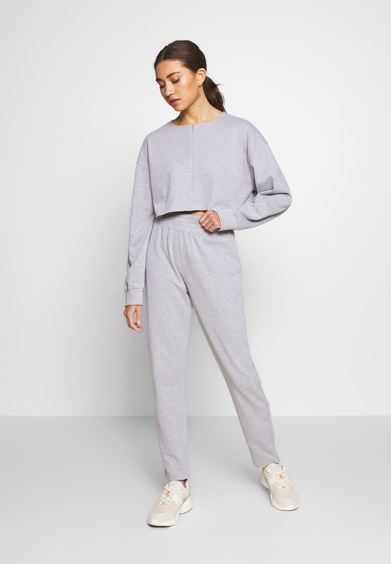Missguided - ZIP FRONT CROPPED  SLIM LINE SET - Tracksuit - grey
