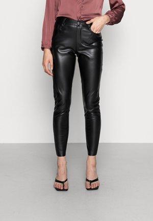 JDYAXEL PANT - Trousers - black
