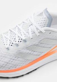 adidas Performance - SL20.2 SUMMER.READY  - Neutrala löparskor - footwear white/silver metallic/screaming orange - 5