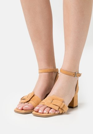 POLLY - Sandals - caramel