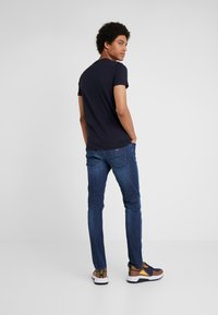 Emporio Armani - Print T-shirt - blu navy - 2