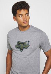 Fox Racing - PREDATOR TECH TEE - Print T-shirt - heather graph - 4