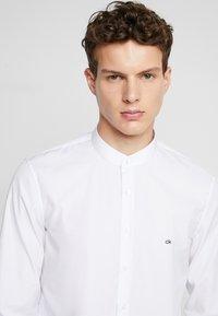 Calvin Klein Tailored - EASY IRON SLIM - Košile - white - 4