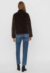 Vero Moda - Winter jacket - chocolate plum - 2