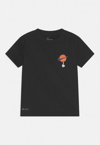 DRI-FIT HEMTAPE TEE UNISEX - Print T-shirt - black