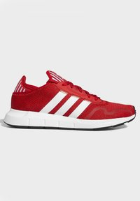 adidas Originals - SWIFT SPORTS STYLE SHOES - Sneakersy niskie - red - 6