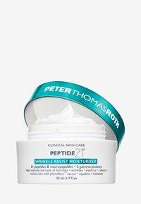 Peter Thomas Roth - PEPTIDE 21 WRINKLE RESIST MOISTURISER - Face cream - - - 1