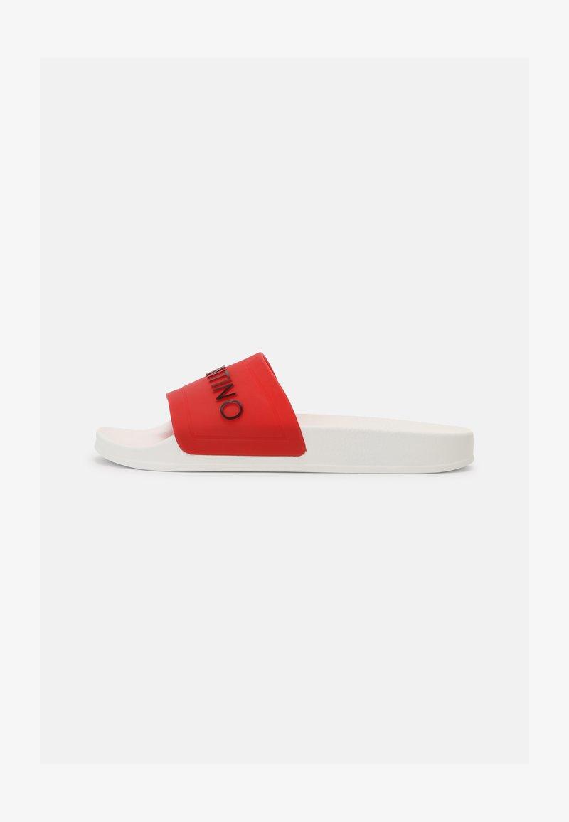 Valentino by Mario Valentino - Sandalias planas - red