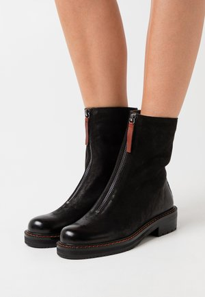 ANAGALLIS - Bottines - black/mattone