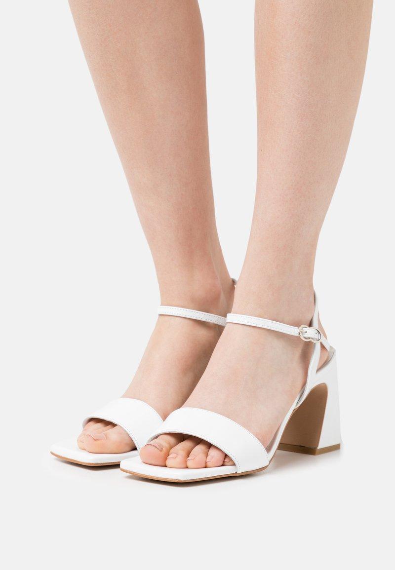Minelli - Sandales - blanc