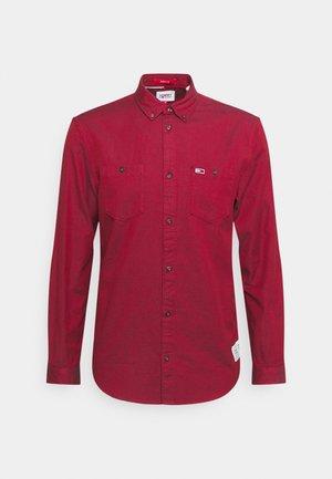 TWO TONE OXFORD  - Shirt - deep crimson