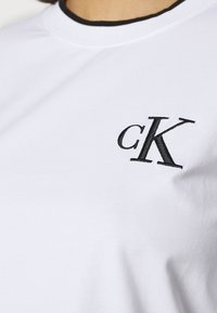Calvin Klein Jeans - EMBROIDERY TIPPING - Langarmshirt - bright white - 5