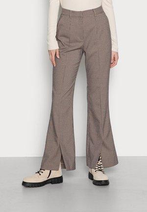 YASWABLO PANT - Trousers - light brown