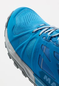 Mammut - SAENTIS LOW MEN - Hiking shoes - gentian/dark gentian - 5
