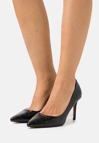 Dorothy Perkins Wide Fit - WIDE FIT DELE CROC POINT COURT - Classic heels - black - 0