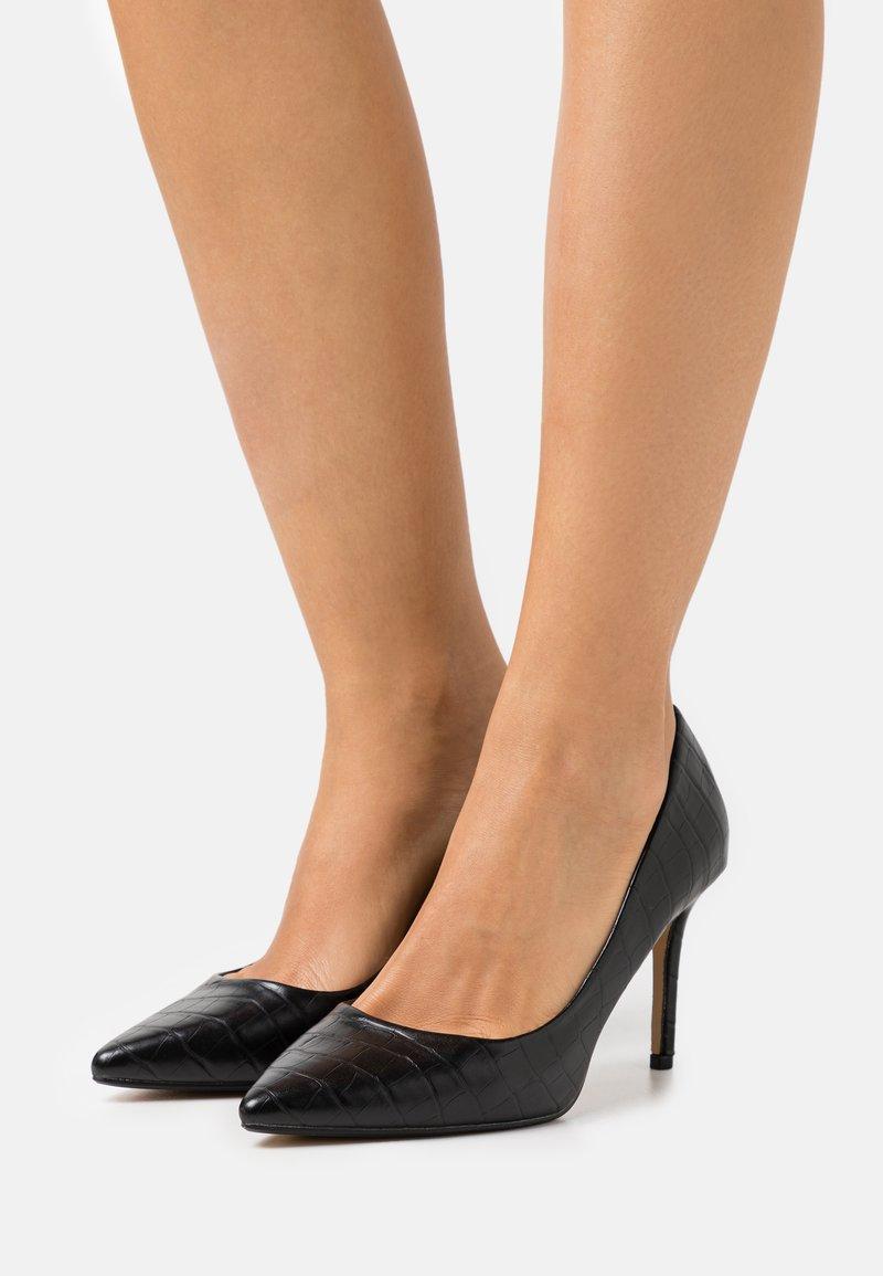 Dorothy Perkins Wide Fit - WIDE FIT DELE CROC POINT COURT - Classic heels - black