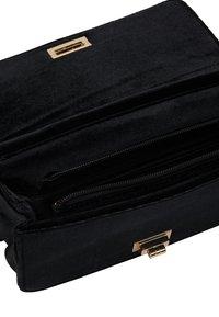 faina - Across body bag - schwarz - 5