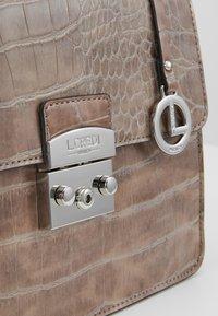 L. CREDI - FEODORA - Handbag - taupe - 2