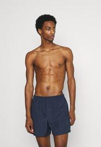 Pier One - 5 PACK - Boxer shorts - dark blue/blue - 2