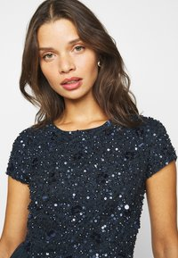 Lace & Beads Petite - NESSIA - Cocktailkjole - navy - 3