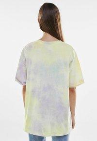 Bershka - Print T-shirt - purple - 2