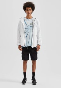 PULL&BEAR - Giacca outdoor - white - 1