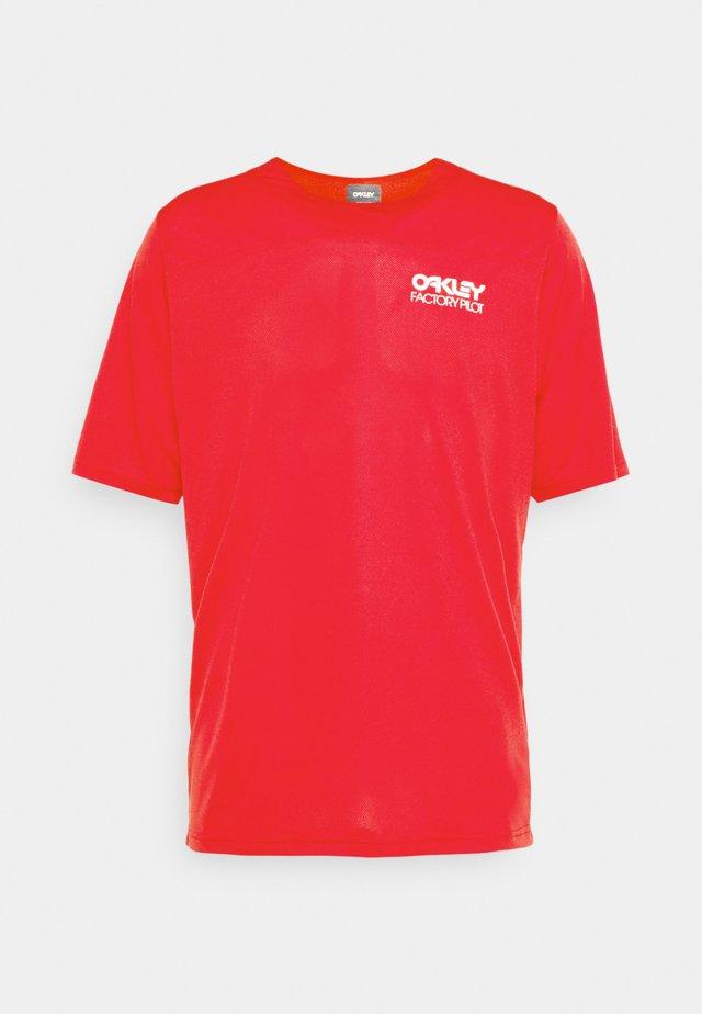 CASCADE TRAIL TEE - T-shirt imprimé - red line