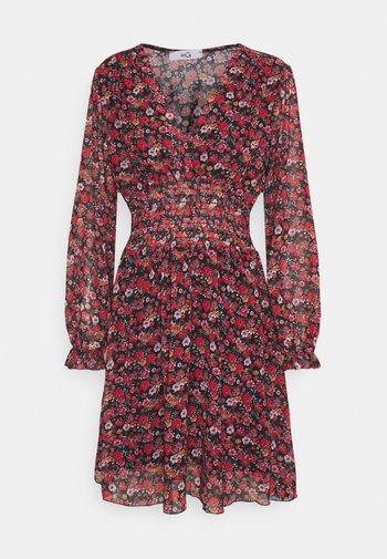 HANNAH PRINTED FROCK - Robe d'été - black/red