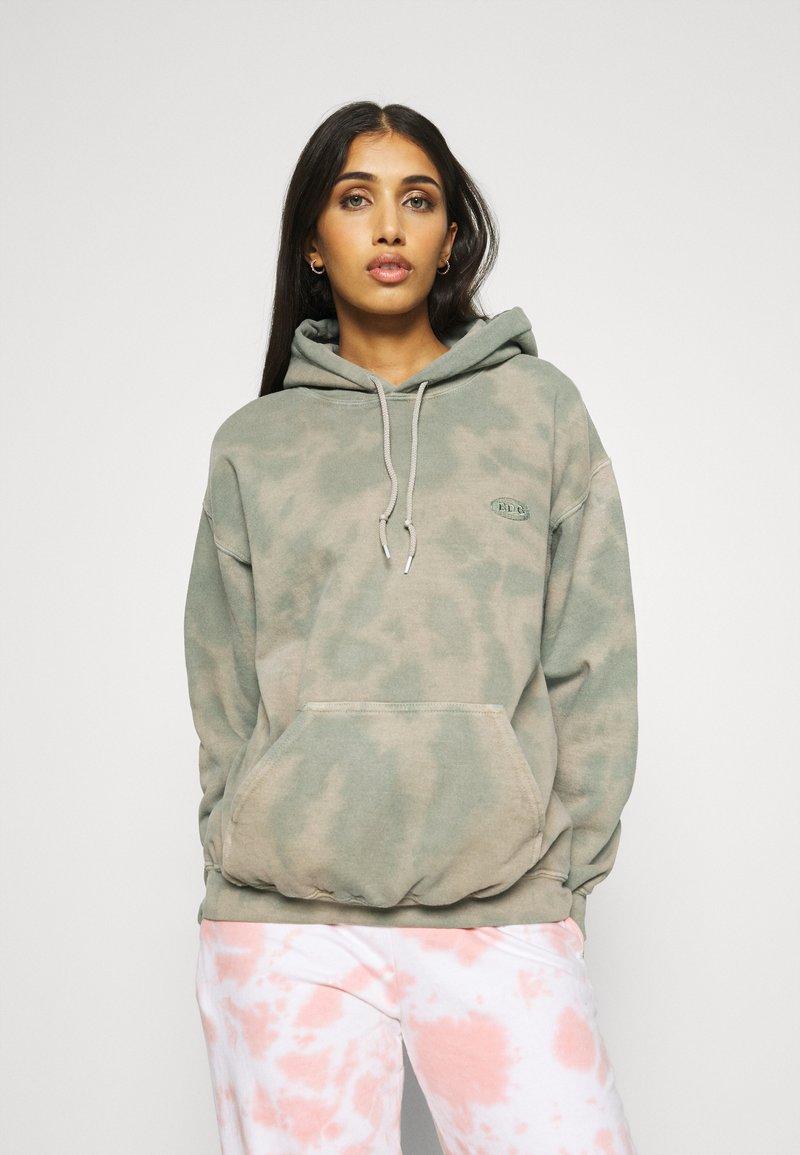 BDG Urban Outfitters - TIE DYE HOODIE - Hoodie - green