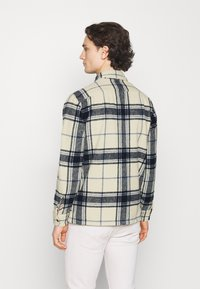 Abercrombie & Fitch - PLAID JACKET - Summer jacket - cream - 2